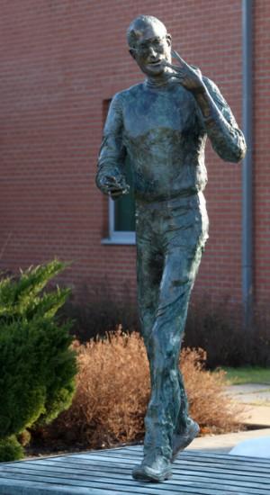 Steve Jobs statue